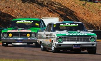 Jim Richards leads Brad Tilley at Hidden Valley Raceway
