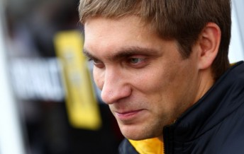 Vitaly Petrov will stay at Lotus Renault GP for a further two seasons