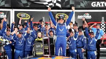 Almirola celebrates at Daytona