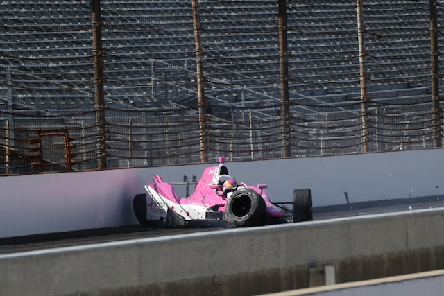 Pippa Mann was lucky to escape injury in this Practice 3 crash
