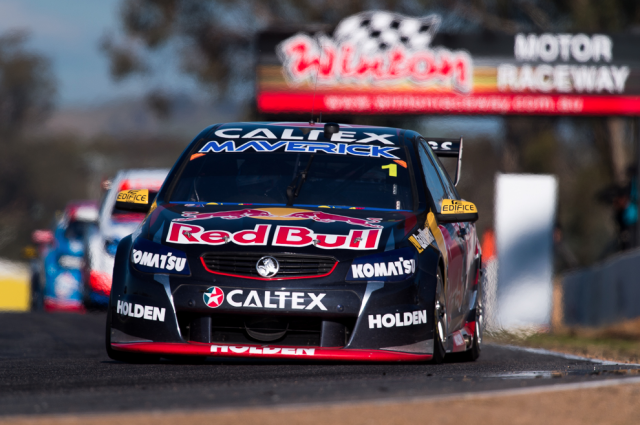 Jamie Whincup fought in the bottom half of the top 10 on Saturday at Winton