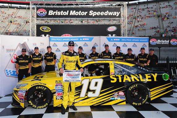 Edwards takes second-straight pole at Bristol
