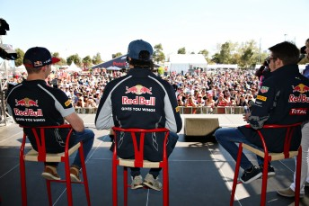 The Australian Grand prix crown enjoying a one of several F1 Fans Forum's at Albert Park this year