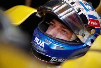 Jolyon Palmer remains at Renault for 2017